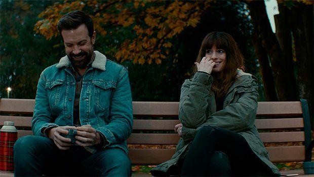 Anne Hathaway y Jason Sudeikis