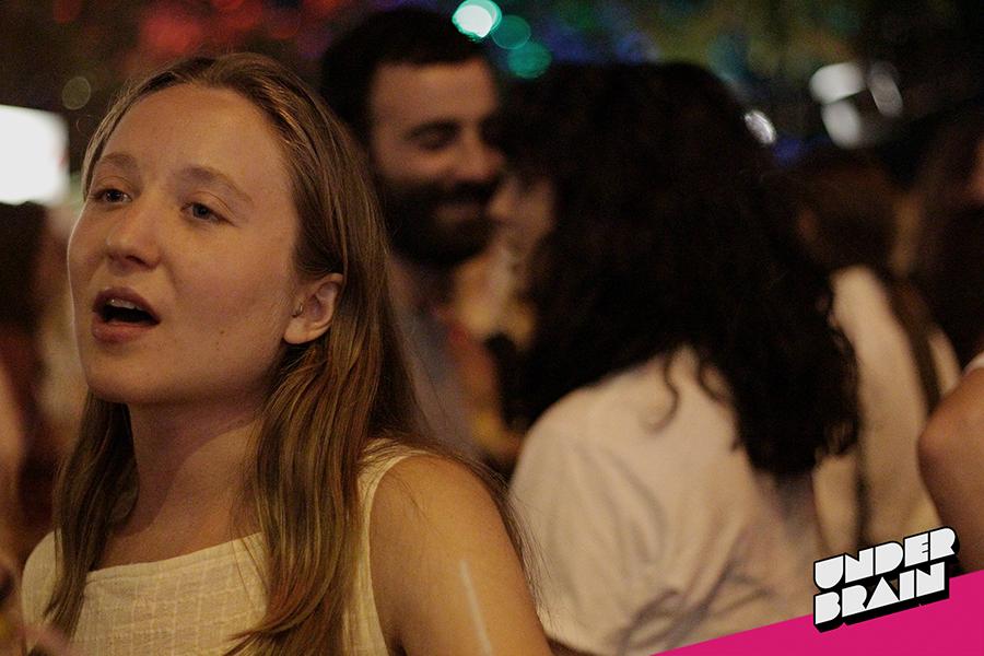 Mucho palique en la fiesta de Vice Festivales